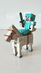 Minecraft-Set-of-2-Diamond-Steve-amp-Horse-Action-Figures-New-without-Box