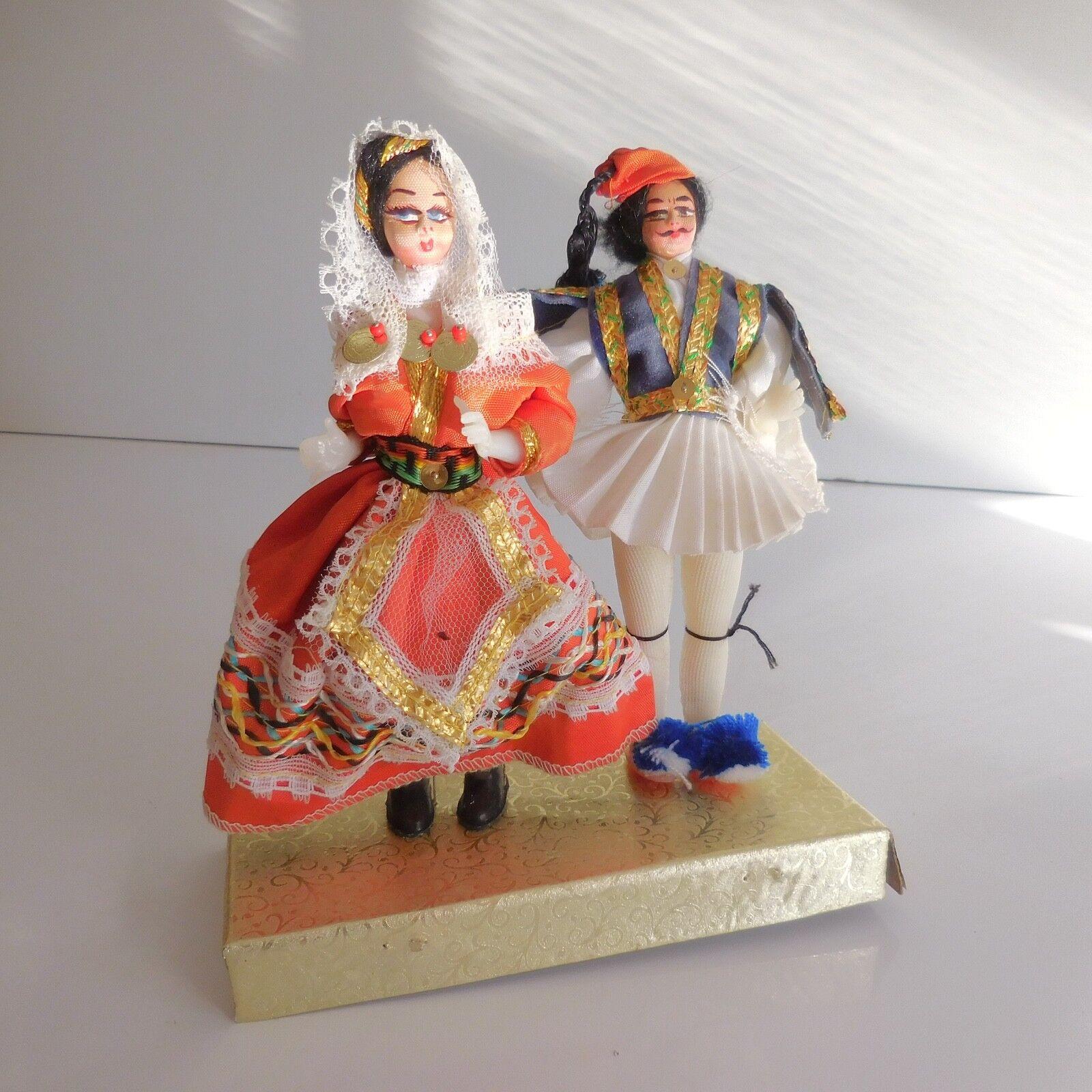 Couple poupées personnages collection costume folklorique fait main XXe PN