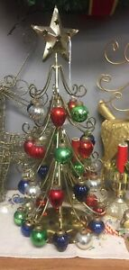 Vintage-Gold-Metal-17-Christmas-Tree-Ornament-Display-Holder-with-Ornaments