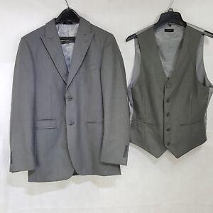 d27802841f11 JF J. Ferrar 34R Gray Suit Jacket And Vest Classic Fit 2 Button ...