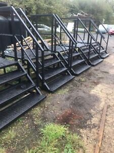 Steps-platforms-containers-cabins-toilet-blocks-heavy-duty-access-steps-Hire