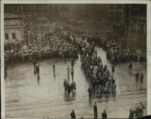 1932 Press Photo New York May Day parade at Union Square in NYC neny20330