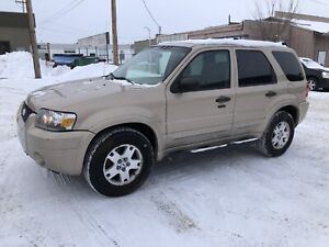 2007 Ford Escape Beige and Black Cloth