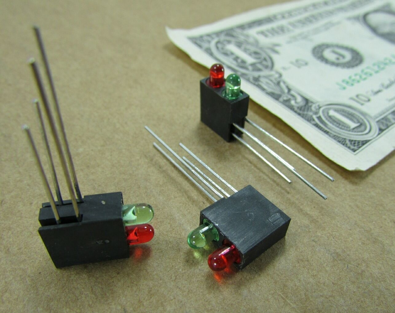 10 Dual Solder Mounted 3MM LEDs Red /& Green Miniature Traffic Signal Model Train