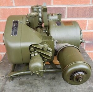 Vintage-WWII-U-S-Navy-Army-Engine-generator-case-extra-parts-amp-tools