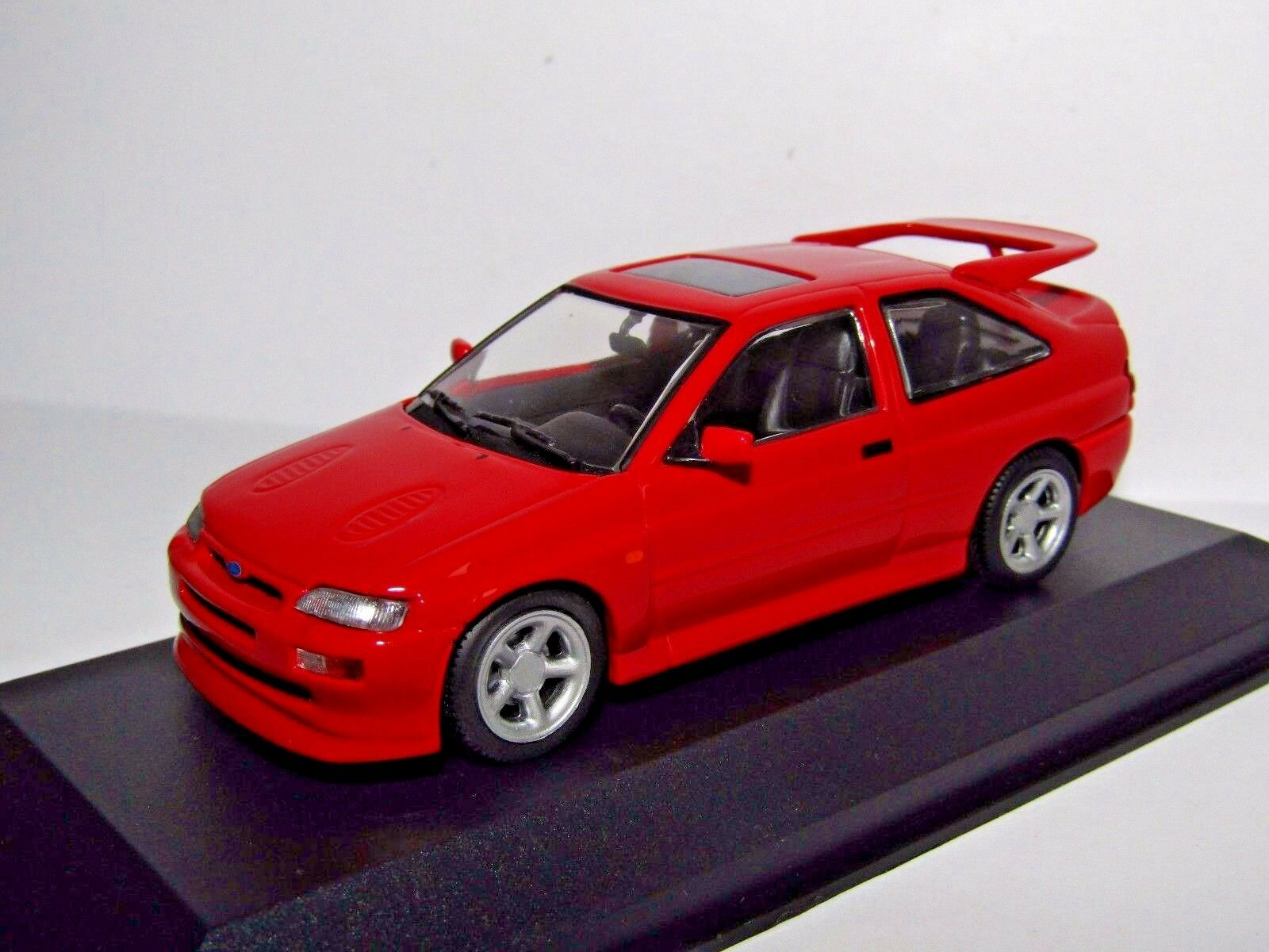 MAXICHAMPS FORD ESCORT RS COSWORTH 1992 RED 1 43