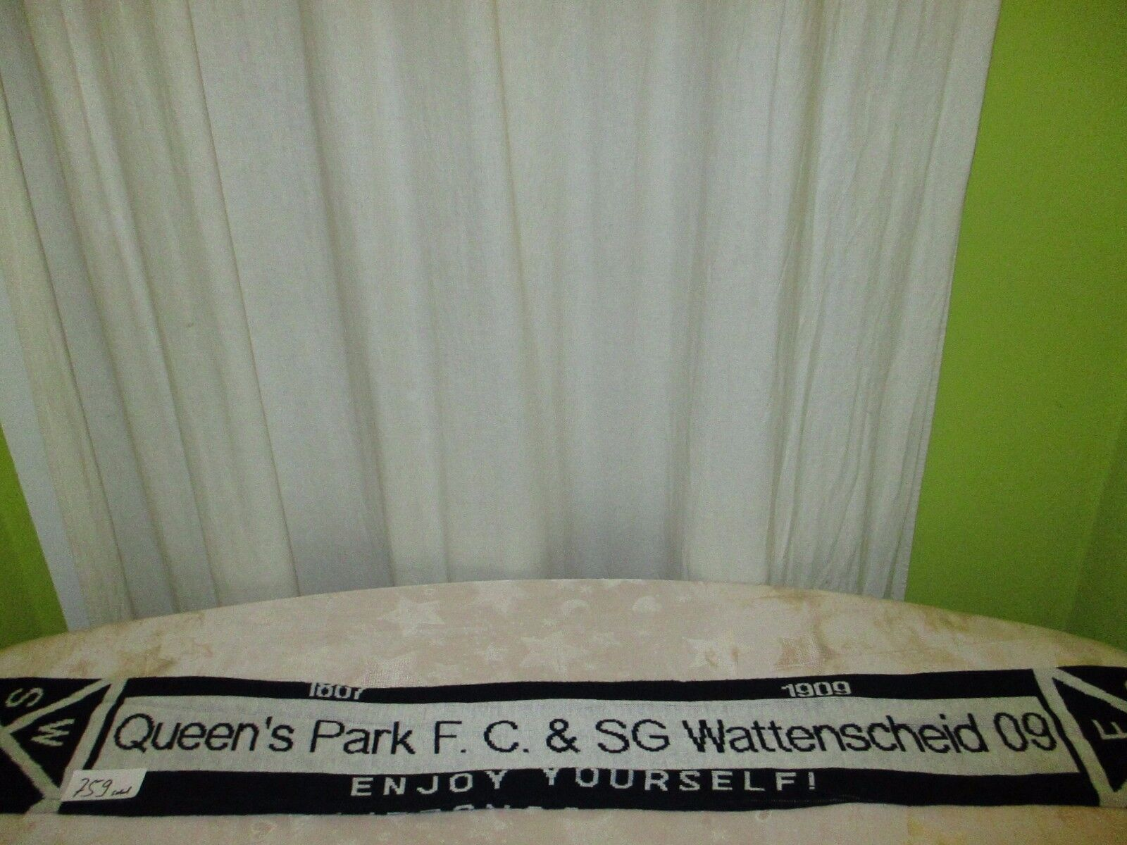 SG Wattenscheid 09 Queen´s Queen´s Queen´s Park F.C. Fan Freundschaft Schal  ENJOY YOURSELF   b44cde