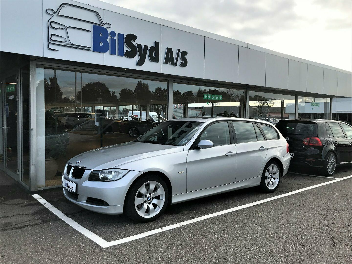 BMW 320i 2,0 Touring Steptr. 5d - 89.980 kr.