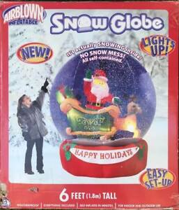 Christmas-Snow-Globe-Santa-Sleigh-Reindeer-Inflatable-light-up-Gemmy-2005