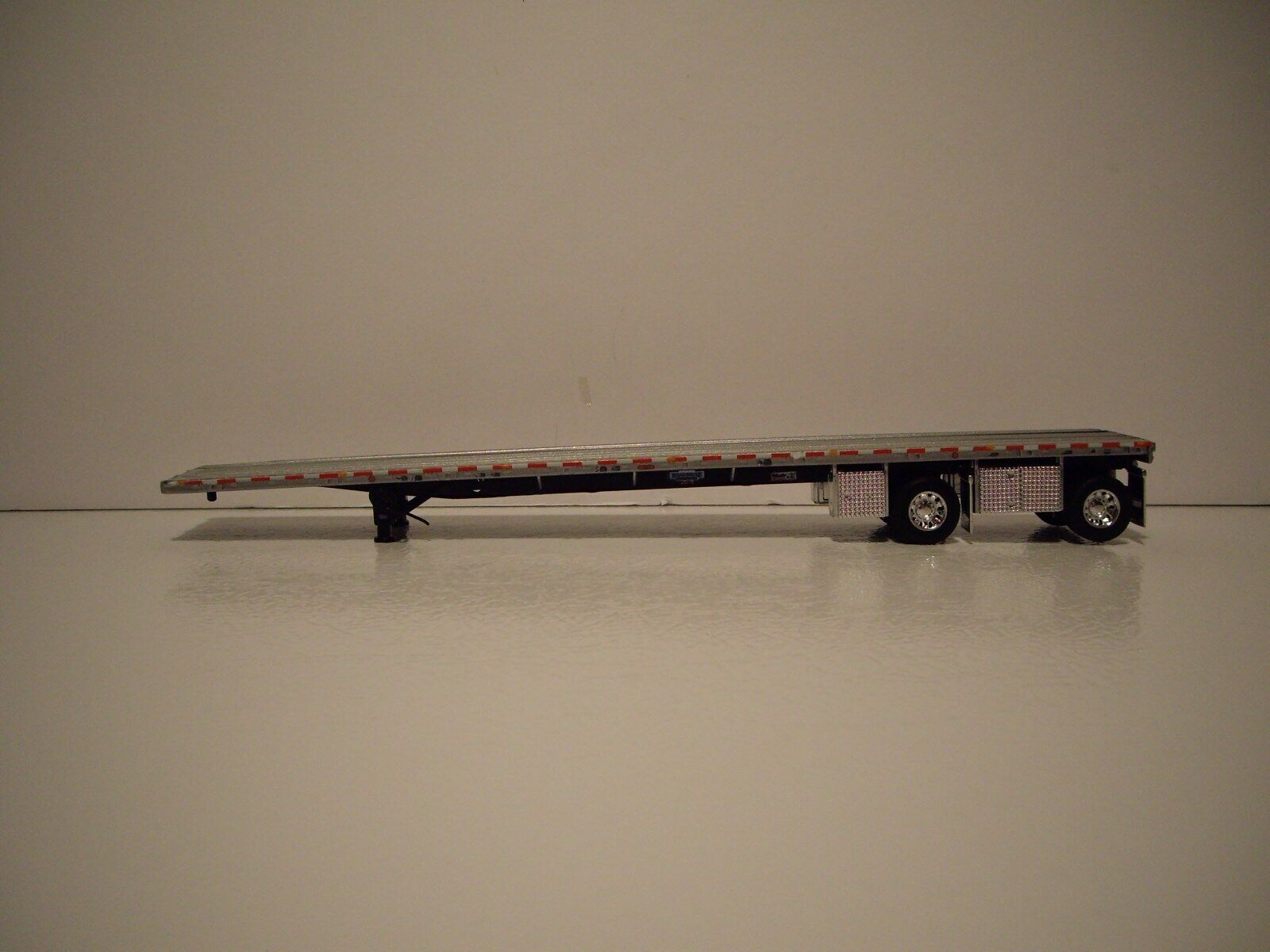 DCP FIRST GEAR 1 64 PETE 389 PRIDE N CLASS CLASS CLASS DAY CAB WITH SPREAD AXLE FLAT BED 5b38b5