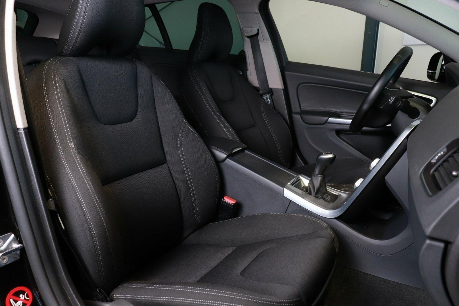 Volvo V60 CC D4 190 Momentum
