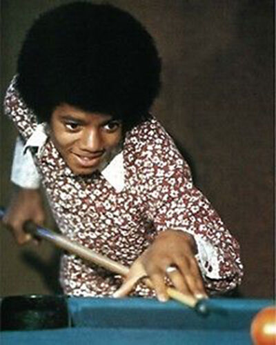 Michael Jackson~Shooting Pool~Playing Pool~Pool Hall~Billiards~16 x 20 Photo
