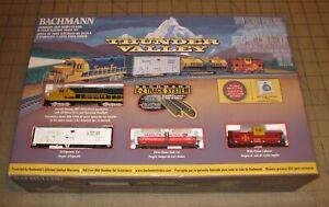 Bachmann THUNDER VALLEY N Scale Train Set in Box, BAKELITE TANKER, Not Penn Salt