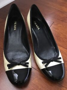 a6bc6d4f30 PRADA $450 Black/cream Patent Leather Cap Toe Kitten Heel Bow Detail ...