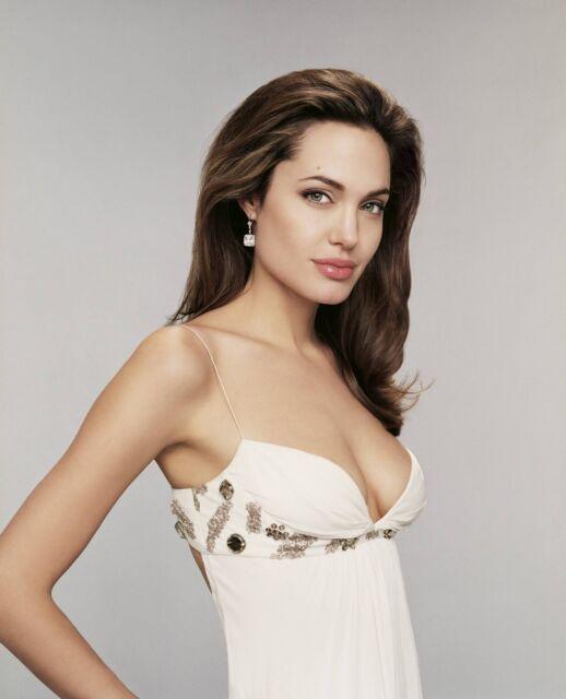 Angelina Jolie Unsigned 8x10 Photo (11)