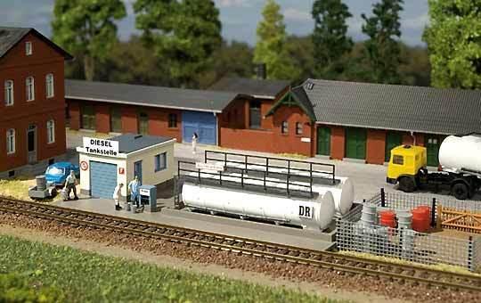 Auhagen Tt 13326: Stazione di Rifornimento Diesel