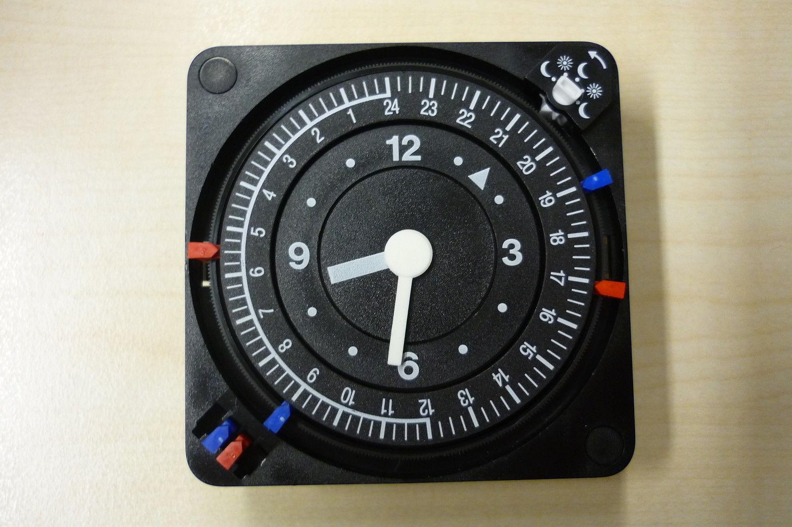 Wolf Analog-Schaltuhr 230 Volt Nr.8903152 für Kessel Regelung  R11 R12 R16 R18