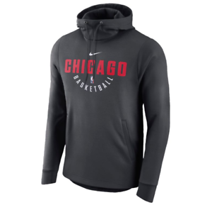 Chicago Bulls Men s Nike Player Practice THERMA-FIT Pullover Hoodie ... 573e3f4da23