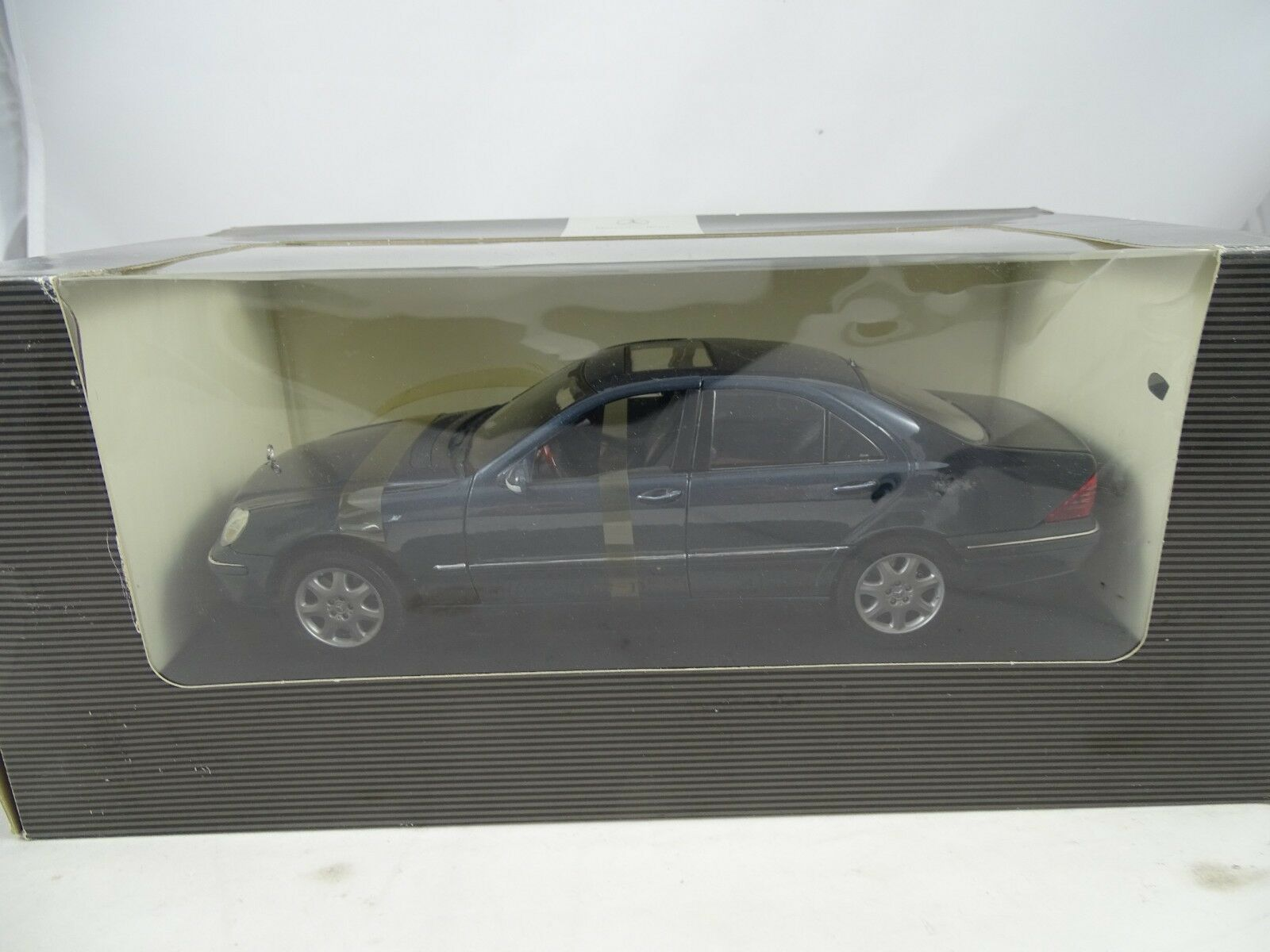 1 18 Mercedes-Benz Musée modèle  b66962170 S-CLASS bleu-RARE §