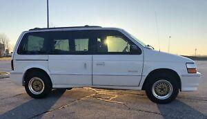 1992 Dodge Caravan es