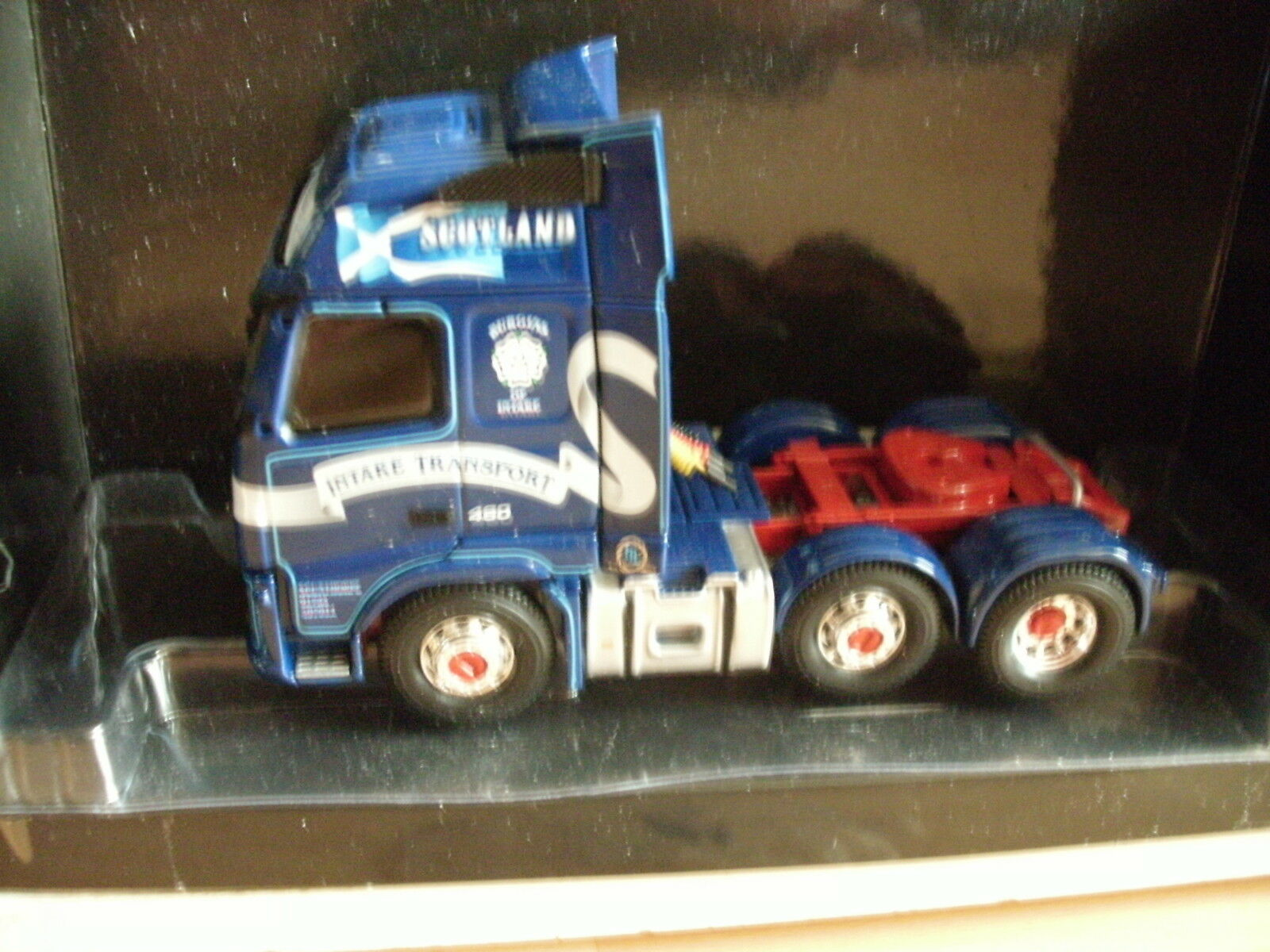 Corgi Volvo 460 Intake Transport Scunthorpe Scotland in Blau on 1 50