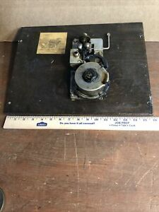 Vintage-Victor-Victrola-VV-4-3-36019-PHONOGRAPH-part-Motor-amp-Board