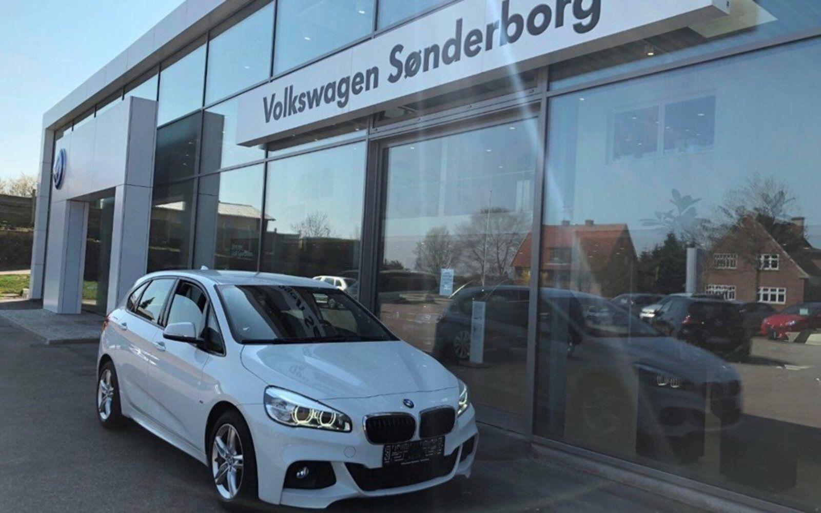 BMW 218i 1,5 Active Tourer 5d - 249.900 kr.