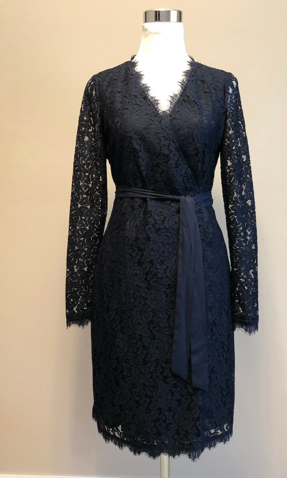 498 NWT DVF Julian Two LS Lace Alexander Wrap Navy Dress sz 2