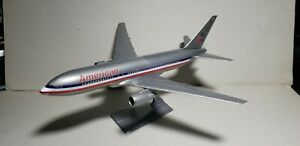 WOOSTER-W80-AMERICAN-AIRLINES-OC-767-200-1-200-SCALE-PLASTIC-SNAPFIT-MODEL