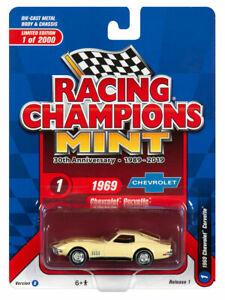 1969 Chevrolet Corvette Stingray red ** RR ** racing Champions 1:64 OVP