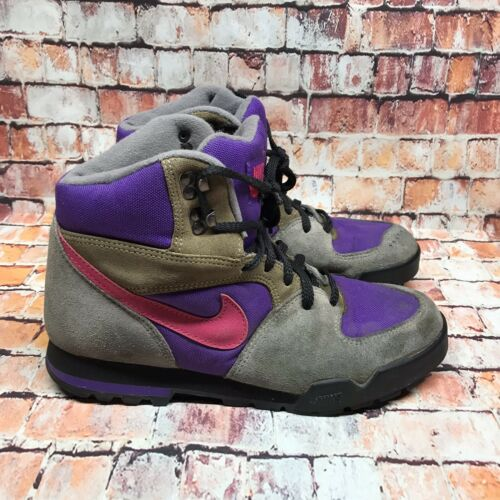 Vintage Nike Hiking Boots Size 10 Suede Pink & Pur
