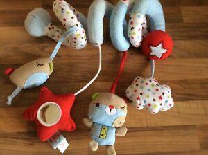 Red Kite bleu Bertie Ours Spirale Poussette Bébé Doux Jouet Activité Excellent
