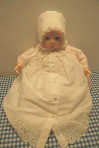 Madame-Alexander-Vintage1965-Victoria-20-inch-new-crier-original-dress-box-crier