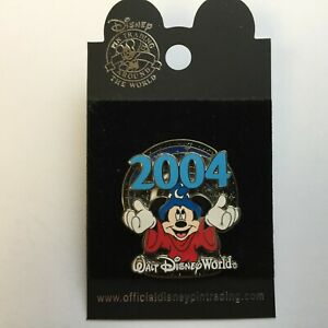 WDW-Sorcerer-Mickey-Mouse-Holding-2004-Disney-Pin-26854