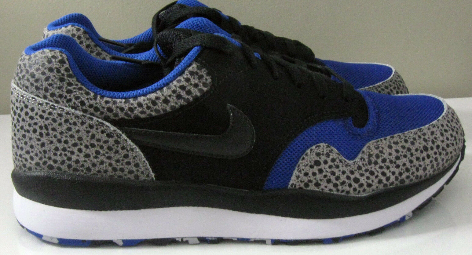 Nike Air Safari LE Size 11 Grey Blue Black Elephant Mens Running Shoe 371740-040