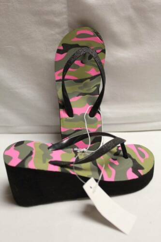"""Girls Flip Flops Medium 13-1 Camouflage 2/"""" Wedge Sandals Shoes NEW with Defect"""