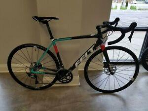 Details about 2018 Felt Bicycles FR3 Shimano Ultegra 54 cm Road Bike NEW