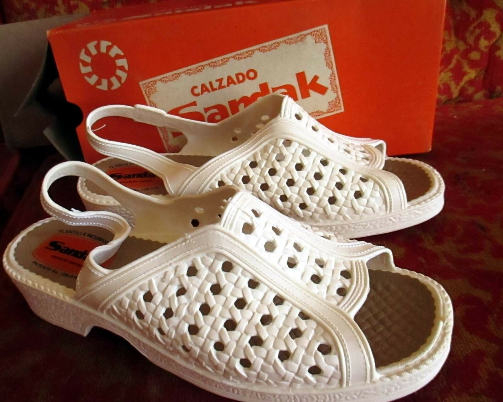 Sz 9 NEW NIB True Vtg 70s Womens WHITE RUBBER Strappy MEXICAN SANDALS SANDAK 25