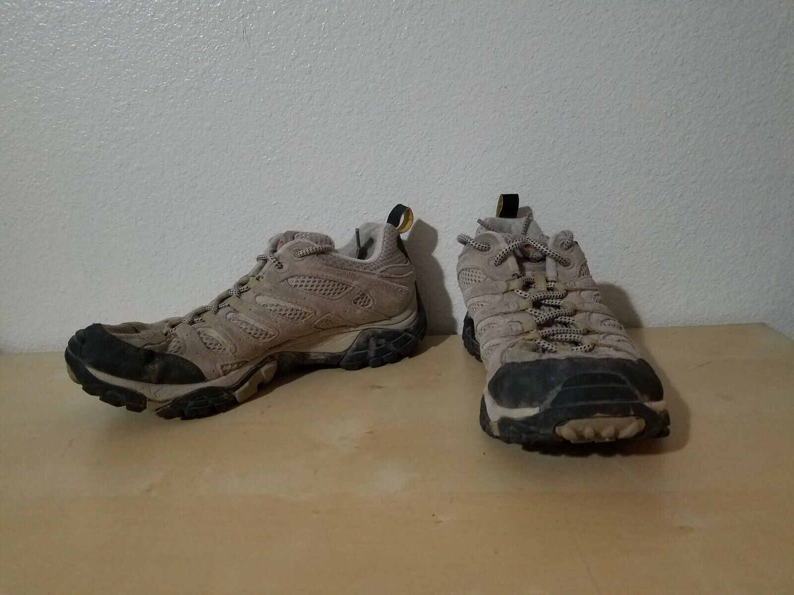 MERRELL  MOAB VENTILATOR Size 9.5 Hiking Boots shoes Taupe