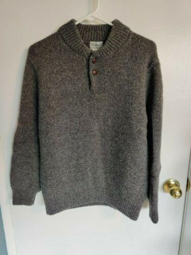 LL Bean Men's Gray Lambs Wool Sweater