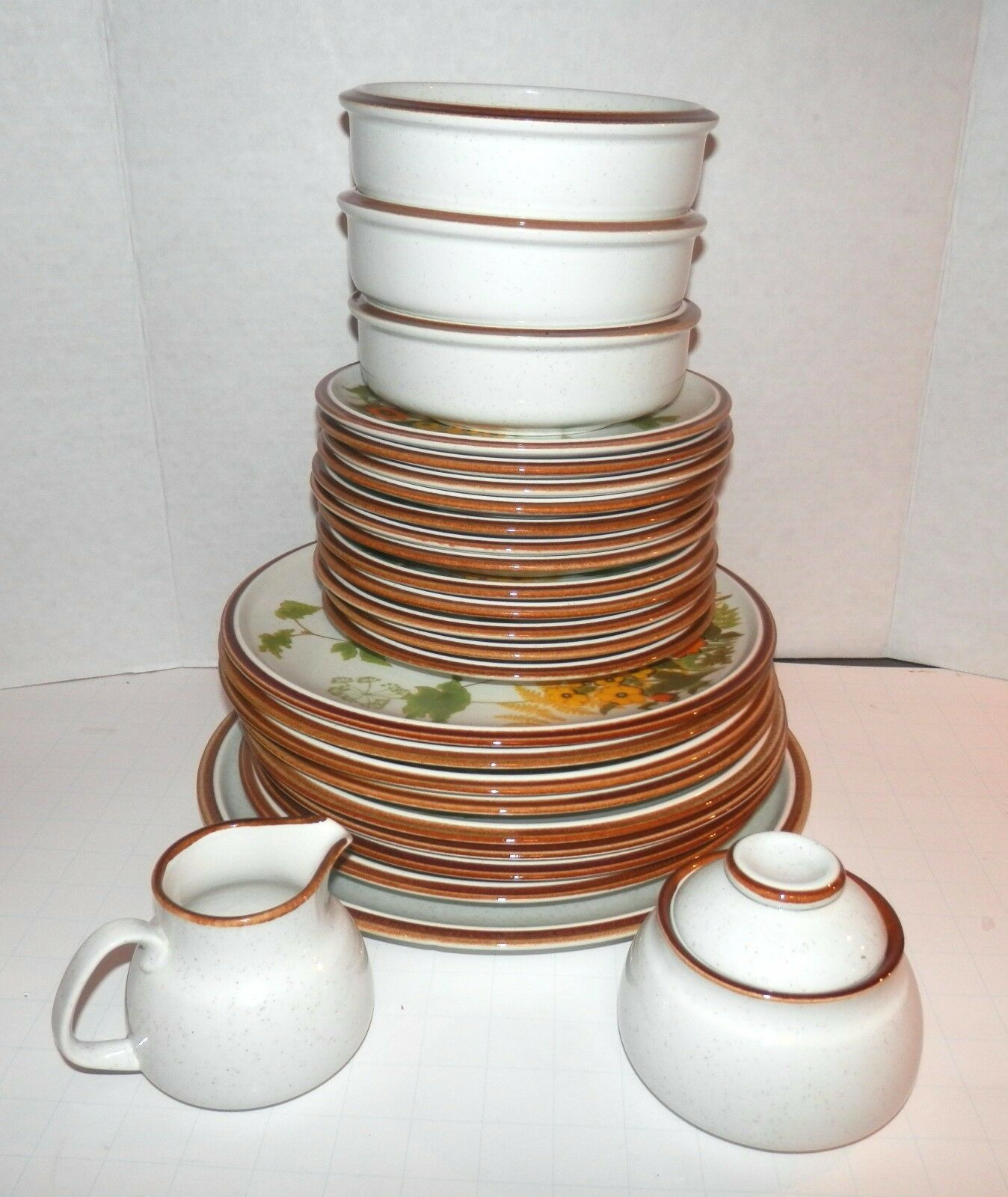Mikasa NATURAL BEAUTY Fresh From the Garden Dinner Chop Plate Cereal Salad Bowls
