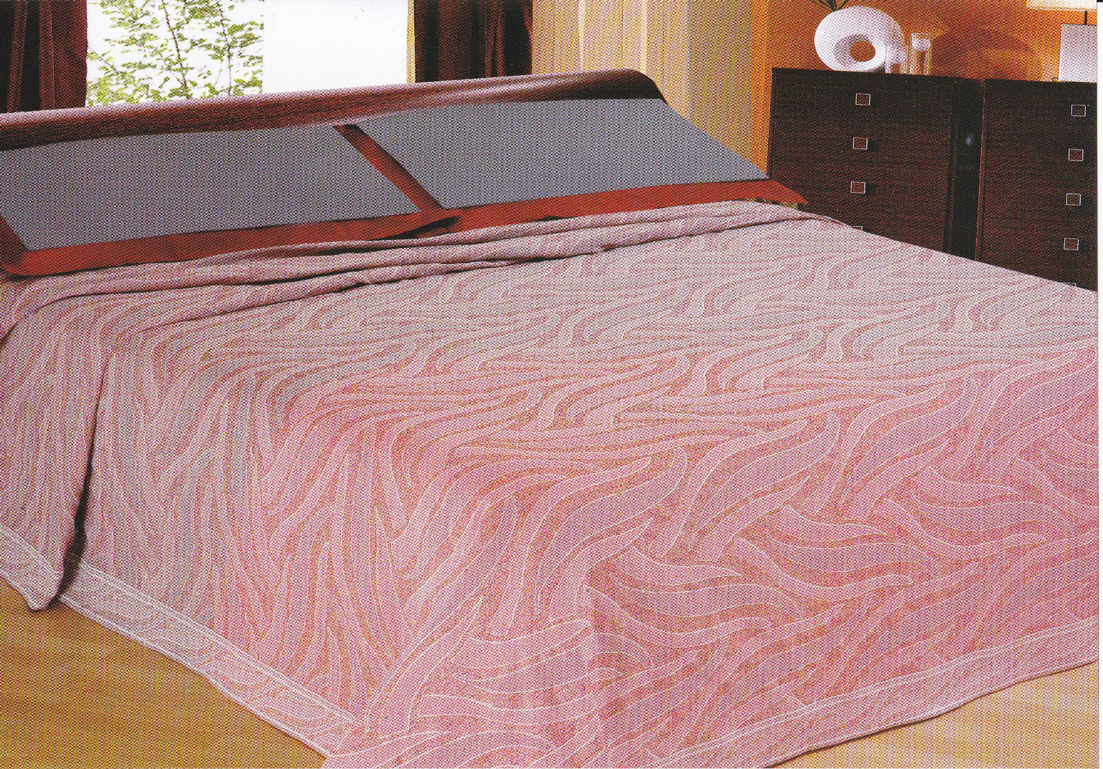 Double Bedspreads - 2 squares BIC RICAMI Available Burgundy and Pearl. ORION