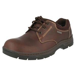 Détails sur Homme Clarks stanten Marcher Gtx Noir ou acajou en cuir à lacets Chaussures Imperméable afficher le titre d'origine