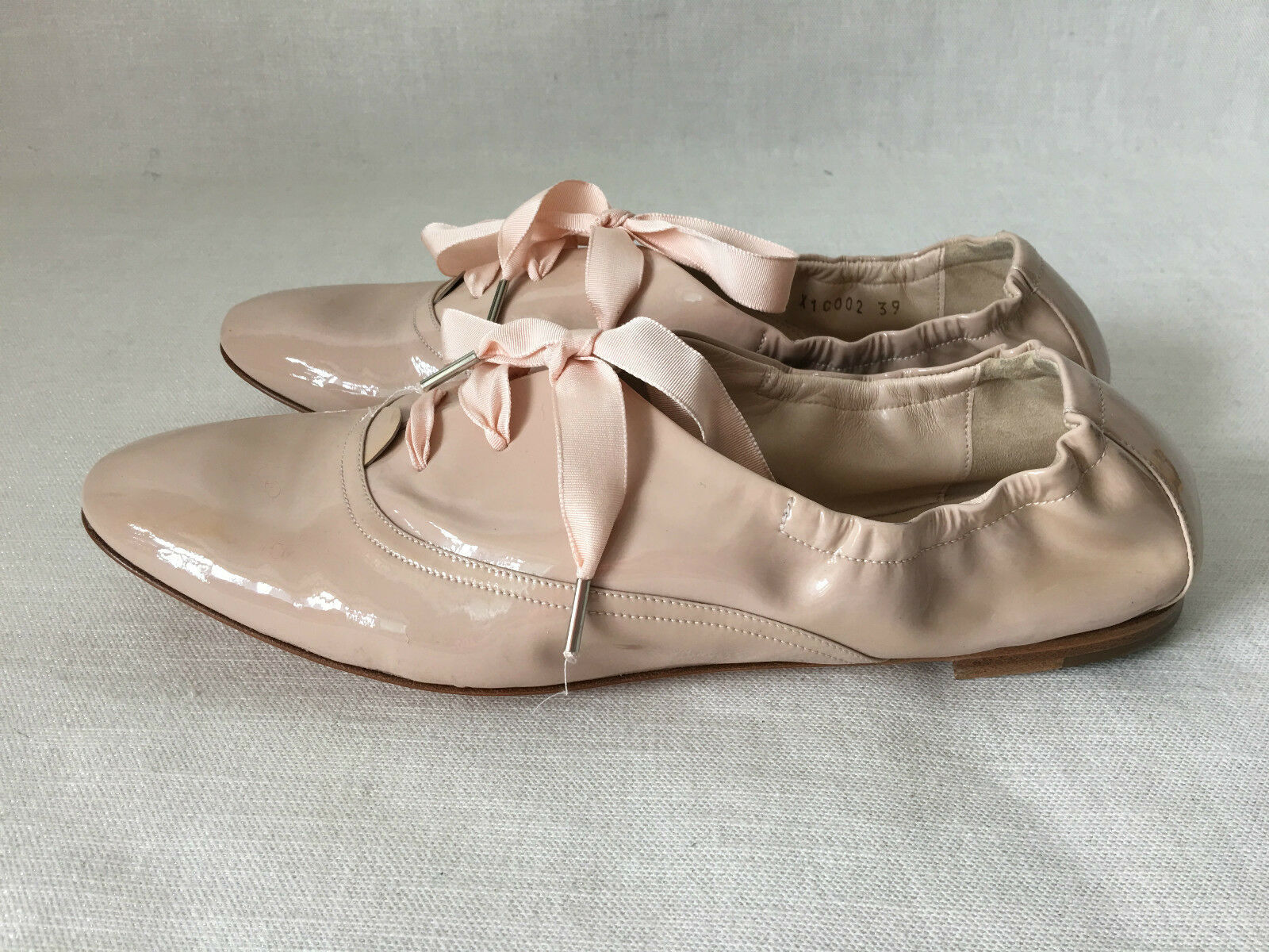 GIORGIO ARMANI NUDE Size PATENT LEATHER FLATS SHOES. Size NUDE 39. MADE IN ITALY 18384c