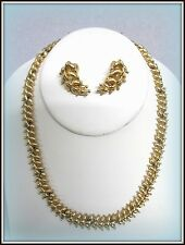 VINTAGE SIGNED MONET GOLD TONE NECKLACE CHOKER & CLIP-ON STYLE EARRING SET W/TAG