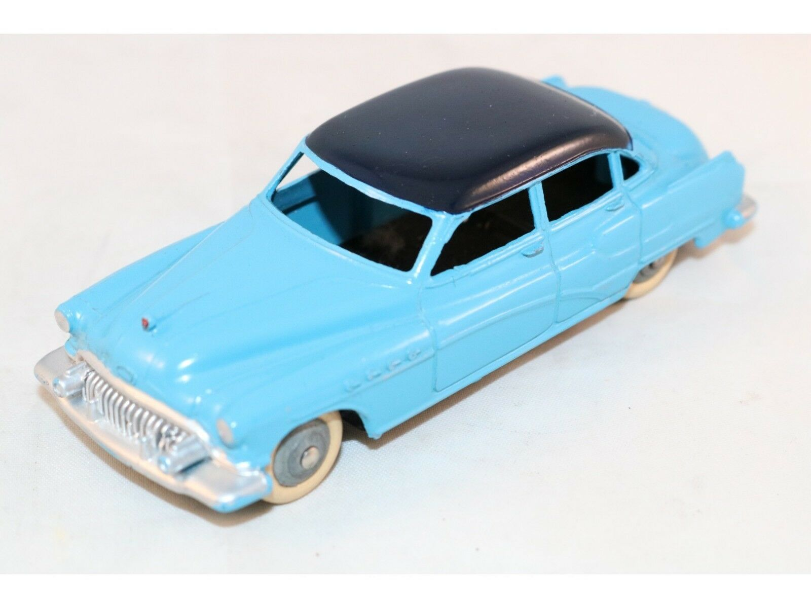 Dinky Toys 24V Buick Roadmaster in mint condition no silver details to the sides