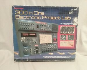 Radio Shack 300 in one electronic project lab Science Fair home school #28-270