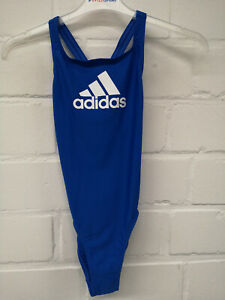 Details zu Adidas Kinder Badeanzug Badge of Sports Suit (DY6391) in blau mit Logo