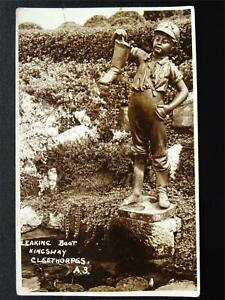 Lincolnshire-Cleethorpes-KINGSWAY-Leaking-Boot-Statue-c1940s-RP-Postcard