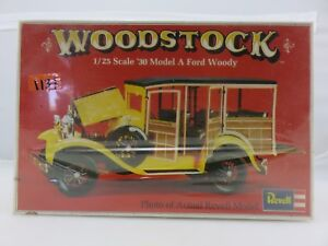 Revell-WOODSTOCK-039-30-MODEL-A-FORD-WOODY-1-25-Scale-Model-Kit-NEW-SEALED-1974
